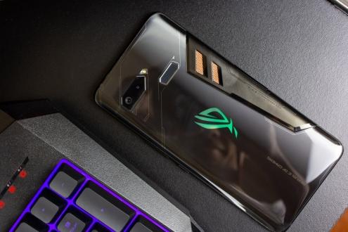 Yeni Asus ROG Phone için tarih belli oldu!