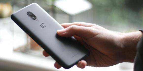 OnePlus 7 Pro ekranıyla dikkat çekecek