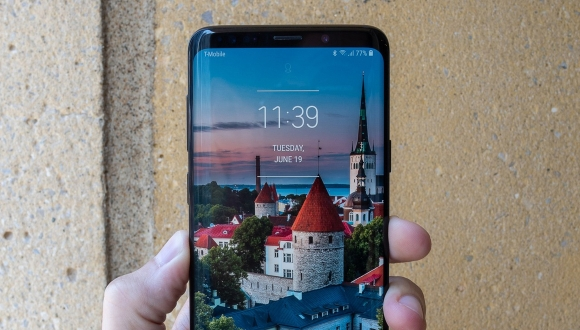 Galaxy S9 Plus farklı renkler ile alıcılarını bekliyor!