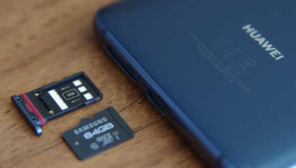 Huawei'yi bir darbe daha: hafıza kartı kullanamayacak!