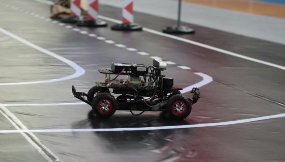 Türkiye'nin ilk mini otonom araç yarışması!