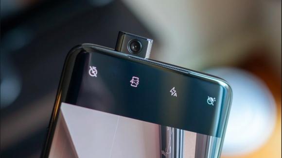 OnePlus 7 Pro açılır kamerası ile 22 kg taşıyabiliyor