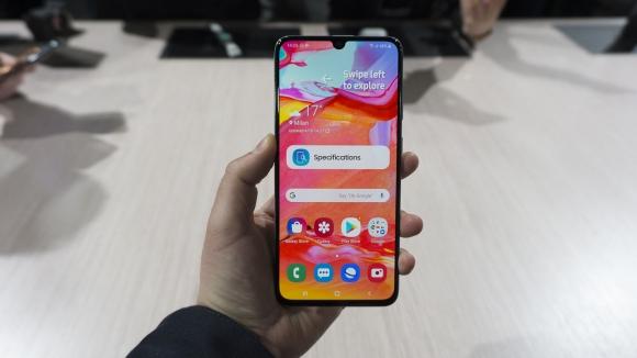 Samsung Galaxy A70 güncelleme aldı