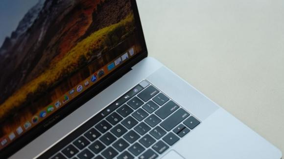 Apple'dan Eylül'de yeni MacBook sürprizi!