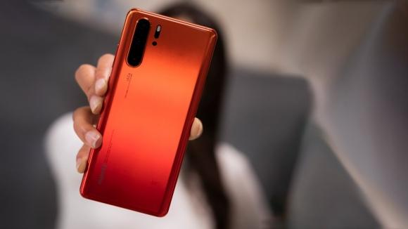 Android Q alacak Huawei modelleri çoğalıyor