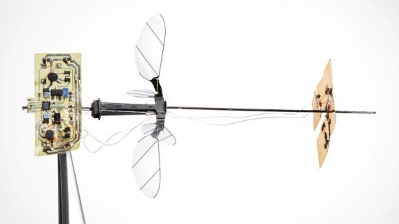 Kendi kendine uçabilen böcek robot: RoboBee X-Wing