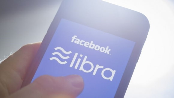 Facebook, sahte Libra satıcıları ile uğraşıyor