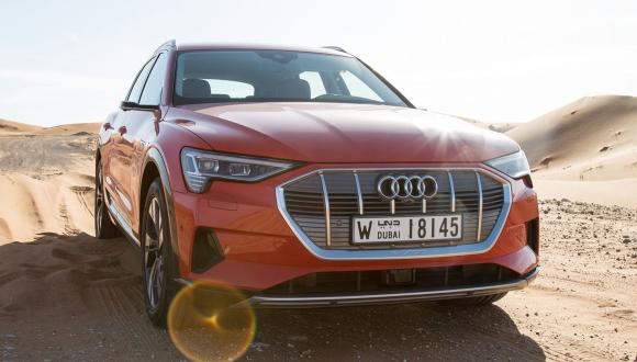 Tesla'dan daha iyi: Audi E-Tron çarpışma testinde!