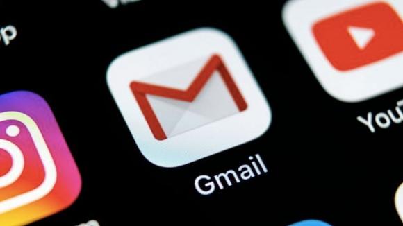 Gmail karanlık mod müjdesi geldi