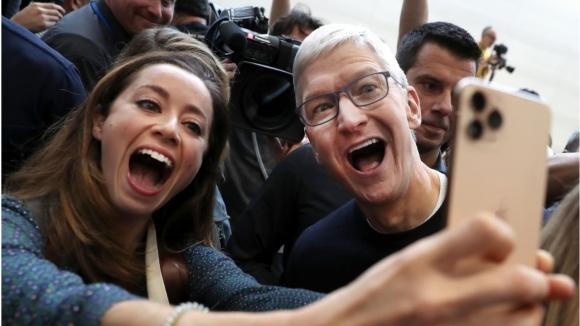 Apple tekrar 1 trilyon dolarlık değerine ulaştı