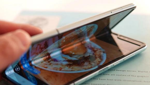 Samsung W20 tanıtıldı! Yeni katlanabilir telefon!