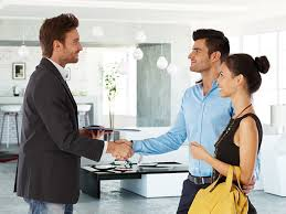 Top 4 Features of a Professional Real Estate Agent