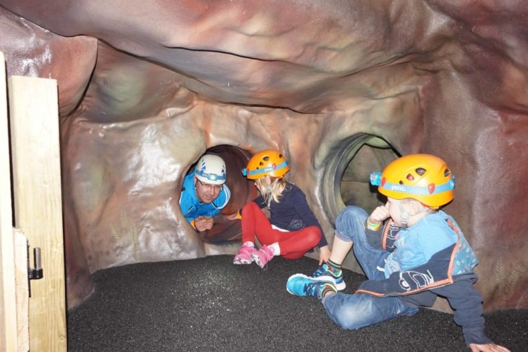 Caving at Rockreef