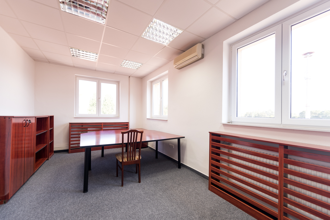 H-1151 Budapest, Bogáncs utca 4. office to let