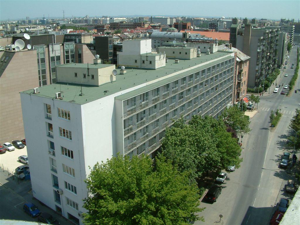 1027 Budapest, II. kerület, Csalogány u. 23-33. kiadó iroda