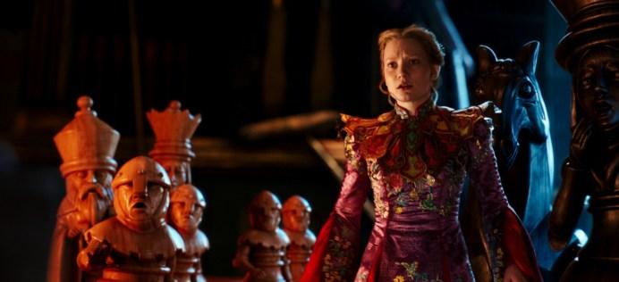 Alice Through the Looking Glass - Alice (Mia Wasikowska