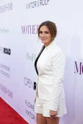 Mother's Day movie Julia Roberts