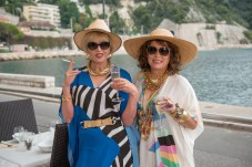 absolutely-fabulous-the-movie-5