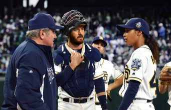 PITCH: L-R: Dan Lauria, Mark-Paul Gosselaar and Kylie Bunbury in PITCH premiering Thursday, Sept. 22 (9:00-10:00 PM ET/PT) on FOX © 2016 Fox Broadcasting Co.