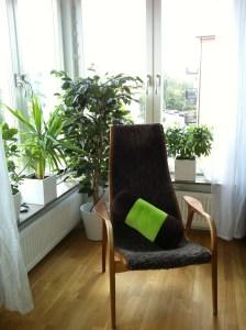 Läshörnan i min lägenhet. Stekhet på sommaren.