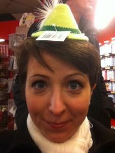 Arga Klara i hatt
