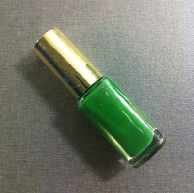 Grönt nagellack