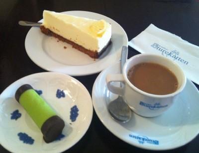 Fika på Sturekatten, kaffe och kaka