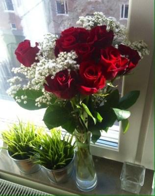En bukett röda rosor