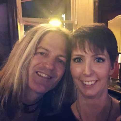 Klara Schmidtz och Doug Aldrich