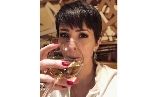 Ett glas vin i goda vänners lag