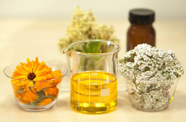 Essential Oils – Benefits and Uses