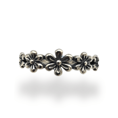 silver 5 flowerrs ring