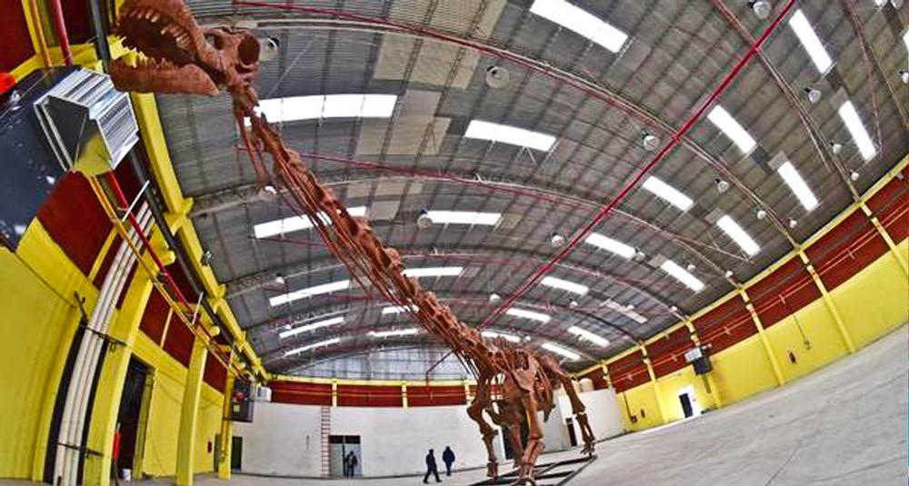Replica del dinosaurio mas grande del mundo