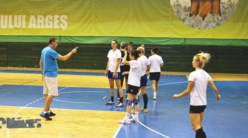 Daniel Gheorghe – Primul antrenament oficial al handbalistelor CS Dacia Mioveni