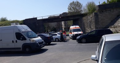 Accident cu 3 mașini implicate, la Pitești