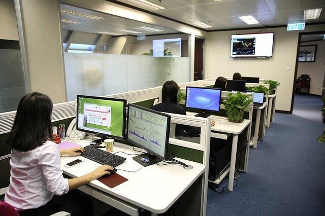 事務代行をオンラインで依頼するメリットはあるのか?