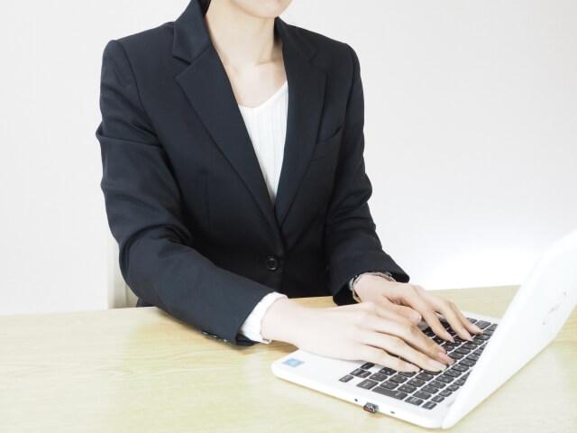 ビジネスメールを返信する時に件名(タイトル、Subject)を変える?変えない?