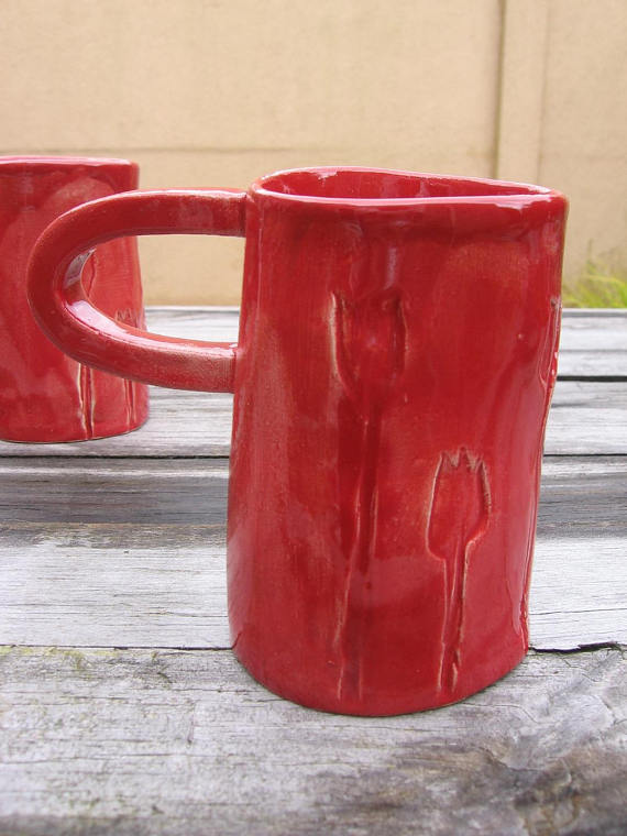 Mugs fleuris rouges