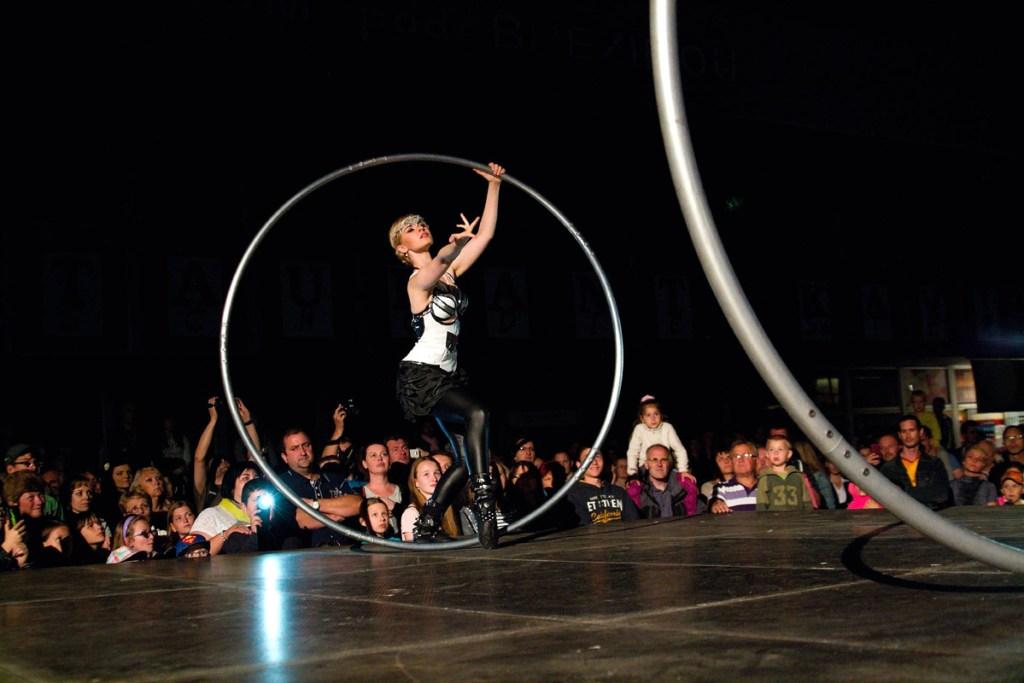 Cyr Wheel Argolla female performer