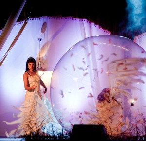 Transparent Ball Act - Argolla Show