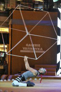 Cube Juggling Acrobats - Shopping Mall Event - Argolla Show