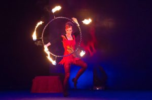 Argolla Wonderland - Acrobatic Show for Kids - Firedancer Hula Hoop