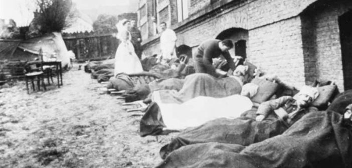 British casualties of a gas attack near Ypres receiving treatment at No 8 Casualty Clearing Station, Bailleul. Q 114867