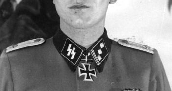 Sören Kam wearing the Knight's Cross.