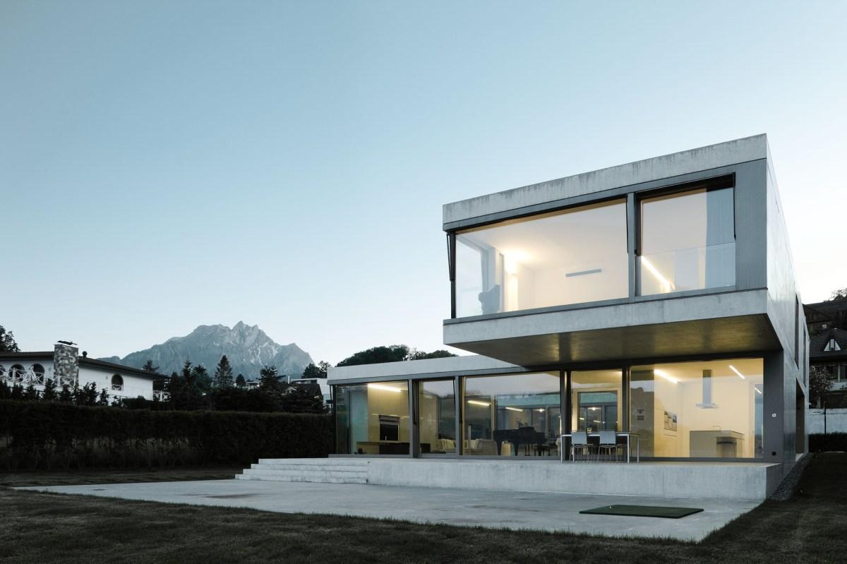 Casa cu vedere spre lac  Elvetia  arhipura