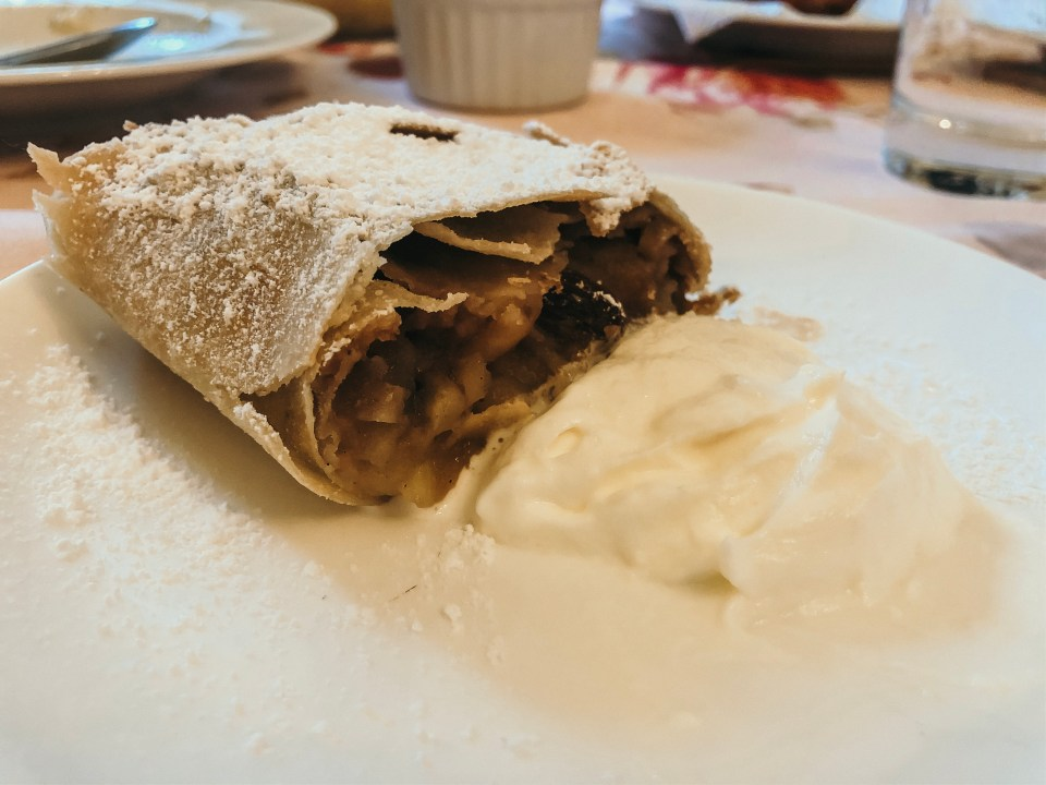 austrian apple strudel