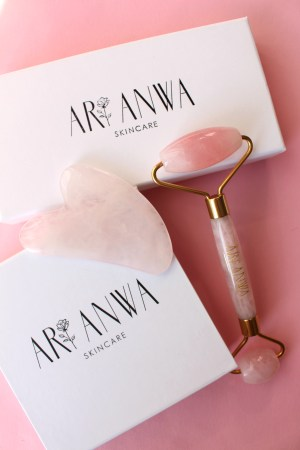Rose Quartz Roller und Gua Sha Set