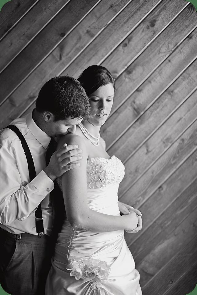 romantic black and white wedding picture