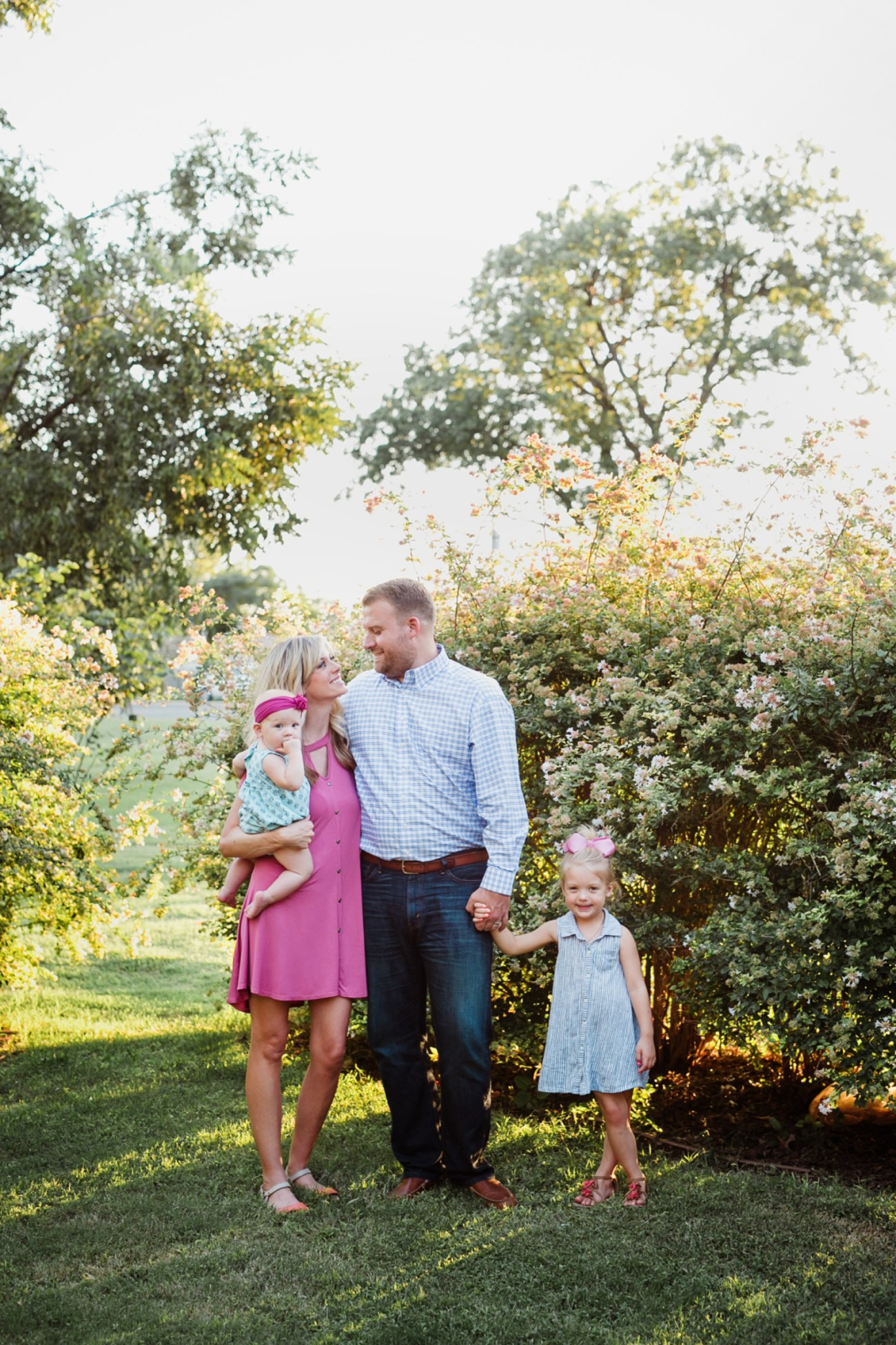 0563_lubbock-garden-and-arts-center-family-session