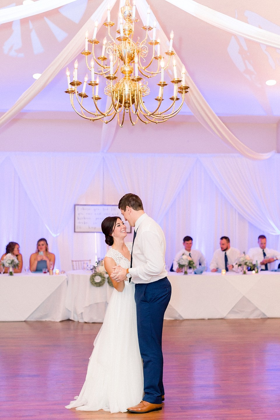 Arielle Peters Photography | Bride and groom sharing first dance at the wedding reception at The Blue Heron at Blackthorn in South Bend, Indiana on wedding day.